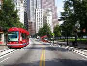 AtlantaStreetcar2.jpg (79792 bytes)